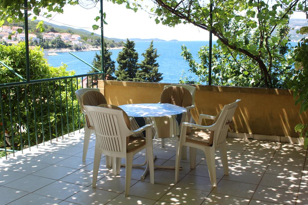 Terrace in House Pecotic, Korcula